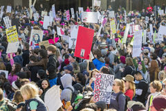 Ειδικοί γεγονός και διαμαρτυρόμενοι Μαρτίου γυναικών γύρω από το Λος Άντζελες Στοκ Φωτογραφία