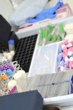 Ειδικοί σωλήνες και εμπορευματοκιβώτια για τις αναλύσεις Στοκ φωτογραφία με δικαίωμα ελεύθερης χρήσης