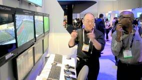 Ειδικός κοντά στην επίδειξη, επίδειξη τεχνολογίας, απόθεμα βίντεο