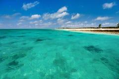 Ειδυλλιακή παραλία στις Καραϊβικές Θάλασσες Στοκ Εικόνα