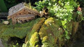 Ειδυλλιακός κήπος σε Diessen στη λίμνη Ammersee φιλμ μικρού μήκους