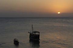 Ειδυλλιακό ηλιοβασίλεμα σε Zanzibar Στοκ Εικόνες