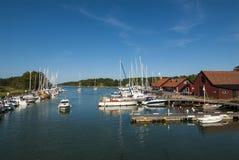 Ειδυλλιακό λιμάνι Utö φιλοξενουμένων Στοκ Φωτογραφίες