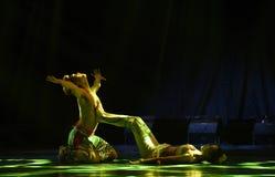 Ειδύλλιο στο σεληνόφωτο-εθνικό λαϊκό χορό Στοκ εικόνες με δικαίωμα ελεύθερης χρήσης