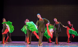 Εκατομμύρες άνθρωποι που ενώνονται ως ένας simsii-κινεζικός λαϊκός χορός άτομο-Rhododendron Στοκ εικόνα με δικαίωμα ελεύθερης χρήσης