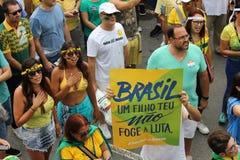 Εκατομμύρια της κλήσης Βραζιλιάνων για την κατηγορία Dilma Rousseff Στοκ Εικόνα
