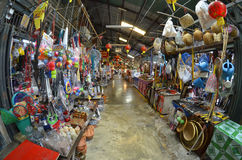 Εκατονταετηρίδας αγορά Suan Khlong κοντά στη Μπανγκόκ, Ταϊλάνδη Στοκ Φωτογραφίες