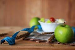 Εκατοστόμετρο μήλων φρούτων διατροφής προγευμάτων Στοκ Φωτογραφία