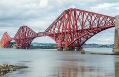 Εκβολή εμπρός της γέφυρας ραγών στοκ φωτογραφία με δικαίωμα ελεύθερης χρήσης
