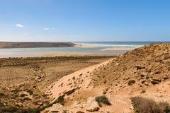 Εκβολή ποταμών του ποταμού Wadi Draa, Ατλαντικός, Μαρόκο Στοκ Εικόνες