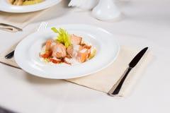 Εκκινητής σολομών με μια σάλτσα κρέμας Στοκ εικόνες με δικαίωμα ελεύθερης χρήσης