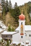 Εκκλησία Άγιος Mary Χιονοδρομικό κέντρο Soll, Τύρολο Στοκ φωτογραφία με δικαίωμα ελεύθερης χρήσης