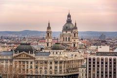 Εκκλησία Αγίου Stephen aka βασιλικών Istvan Szent στη Βουδαπέστη, που κρεμιέται Στοκ εικόνα με δικαίωμα ελεύθερης χρήσης