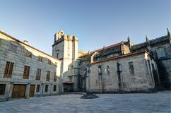 Εκκλησία δημάρχου Λα της Σάντα Μαρία Pontevedra Ισπανία διαφραγμάτων διαγώνιο ροών πηγών ατόμων ύδωρ πετρών μοναστηριών s ιερό Στοκ Εικόνες