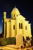 Εκκλησία και νεκροταφείο στη νύχτα Στοκ Φωτογραφία