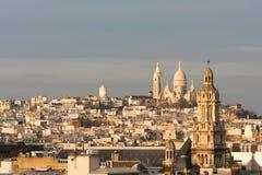 Εκκλησία και Montmartre τριάδας στο σούρουπο στο Παρίσι Στοκ Φωτογραφίες