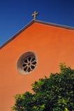 Εκκλησία με το σταυρό Στοκ Φωτογραφία
