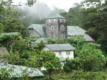 Εκκλησία στην είσοδο για να αντηχήσει την κοιλάδα Sagada, Φιλιππίνες στοκ εικόνες