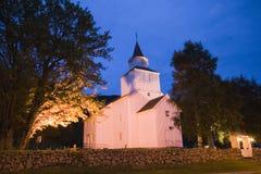 Εκκλησία στη Νορβηγία τη νύχτα Στοκ Εικόνες