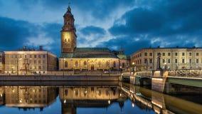 Εκκλησία Christinae που απεικονίζει στο νερό στο Γκέτεμπουργκ, Σουηδία απόθεμα βίντεο