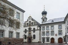 Εκκλησία Ognissanti, προηγούμενη εκκλησία του Jesuits Jesuitenkirche, που ιδρύεται από τη διαταγή το 1571 σχετικά με Stiftsplatz  στοκ φωτογραφία με δικαίωμα ελεύθερης χρήσης