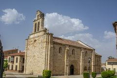 Εκκλησία SAN Ισίδωρος στο τετράγωνο καθεδρικών ναών Zamora, Ισπανία στοκ εικόνες με δικαίωμα ελεύθερης χρήσης