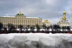 Εκκλησίες της Μόσχας Κρεμλίνο Χειμερινή φωτογραφία χρώματος Στοκ Εικόνες