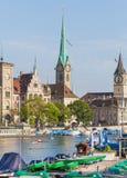 εκκλησιών πόλεων εικονικής παράστασης πόλης ρολογιών προσώπου μεγαλύτερος κόσμος Ζυρίχη πύργων Peter s ST ελβετικός Στοκ εικόνα με δικαίωμα ελεύθερης χρήσης