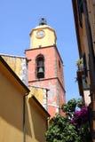 Εκκλησία Γαλλία πύργων κουδουνιών Άγιος-Tropez Provencal στοκ εικόνες