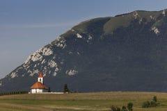 Εκκλησία κάτω από το βουνό Nanos, Σλοβενία Στοκ Εικόνα