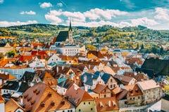 Εκκλησία και εικονική παράσταση πόλης Cesky Krumlov του ST Vitus Στοκ εικόνα με δικαίωμα ελεύθερης χρήσης