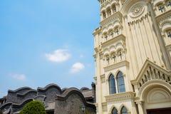 Εκκλησία και κινεζικά παραδοσιακά κτήρια Στοκ Φωτογραφία
