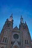 Εκκλησία και μπλε ουρανός Στοκ φωτογραφία με δικαίωμα ελεύθερης χρήσης