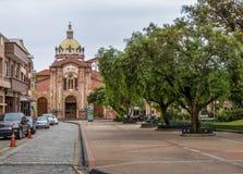 Εκκλησία και πάρκο SAN Blas - Cuenca, Ισημερινός Στοκ Εικόνες