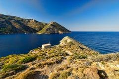 Εκκλησία και τοπίο ακτών της Πελοποννήσου στοκ εικόνα με δικαίωμα ελεύθερης χρήσης