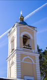 Εκκλησία καμπαναριών του Epiphany στο χωριό Στοκ Εικόνες