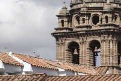 Εκκλησία Λα Compania de Ιησούς Plaza de Armas στην πλατεία σε Cuzco, Π Στοκ Φωτογραφίες