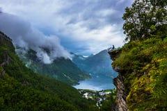 Εκκλησία σανίδων Urnes στην αγριότητα, Νορβηγία Στοκ φωτογραφία με δικαίωμα ελεύθερης χρήσης