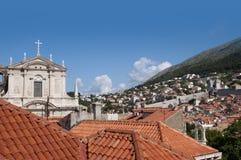 Εκκλησία στην περιτοιχισμένη πόλη Dubrovnic στην Κροατία Ευρώπη Το Dubrovnik παρονομάζεται το μαργαριτάρι ` της Αδριατικής Στοκ Εικόνες
