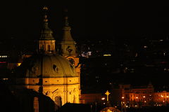 Εκκλησία στην Πράγα τη νύχτα Στοκ φωτογραφία με δικαίωμα ελεύθερης χρήσης