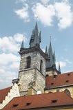 Εκκλησία της κυρίας μας Tyn (1365) στη μαγική πόλη της Πράγας Στοκ εικόνες με δικαίωμα ελεύθερης χρήσης