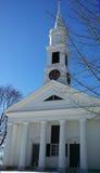 Εκκλησία της Νέας Αγγλίας στο χειμερινό απόγευμα Στοκ Εικόνες