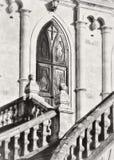 Εκκλησία του Βλαντιμίρ σε Bykovo Περιοχή Moskovskaya πύλες επεξεργασμένου σιδήρου στο ναό κάστρων στοκ φωτογραφία