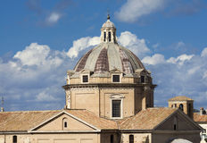 Εκκλησία του θόλου Gesu με τον όμορφο ουρανό στοκ εικόνα με δικαίωμα ελεύθερης χρήσης