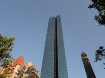 Εκκλησία τριάδας, πύργος του John Hancock, τετραγωνική πηγή Copley, πλατεία Copley, Βοστώνη, Μασαχουσέτη, ΗΠΑ Στοκ φωτογραφία με δικαίωμα ελεύθερης χρήσης