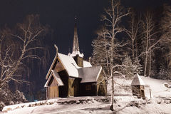 Εκκλησία χιονιού στη νύχτα Στοκ Εικόνα