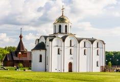 Εκκλησία Annunciation και η εκκλησία του ιερού πρίγκηπα Αλέξανδρος Nevsky Βιτσέμπσκ Στοκ εικόνα με δικαίωμα ελεύθερης χρήσης