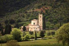 Εκκλησία Antimo Montalcino Sant και ελιά Orcia, Τοσκάνη, αυτό Στοκ Φωτογραφία