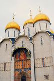 Εκκλησία Dormition της Μόσχας Κρεμλίνο Φωτογραφία χρώματος Στοκ φωτογραφία με δικαίωμα ελεύθερης χρήσης
