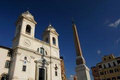 ΕκκλησίαMonti dei Trinità Στοκ φωτογραφία με δικαίωμα ελεύθερης χρήσης